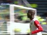 Feyenoord keep title hopes alive