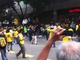 Malaisie : voiture de police fonce dans les manifestants