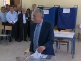 Greece's anti-bailout parties hopeful in poll