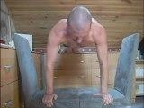Exercice A12 (18 reps, écart mains 40cm, delta 45cm)
