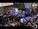 San Raffaele, Rotelli accolto da applausi personale -VideoDoc. Il neo proprietario incontra i lavoratori dell'ospedale