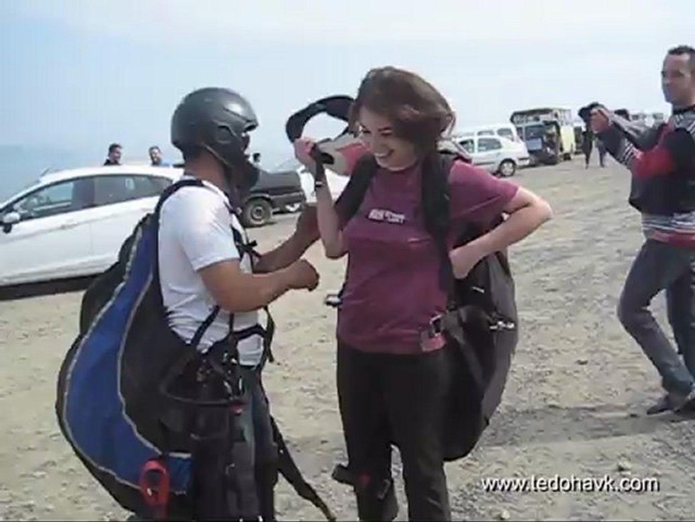 6.tekirdağ uçmakdere yamaç paraşütü festivali hande çolpan ikili uçuşu 6 mayıs 2012