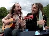 Hippy End (La Chanson du Dimanche S05E14)