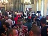 Les joueurs du Stade de Reims reçoivent   la médaille de la ville  de Mme la maire Adeline Hazan