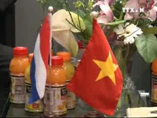 Le journal hebdomadaire du 30 Avril au 6 Mai 2012, VNEWS - Truyền hình Thông tấn xã Việt Nam