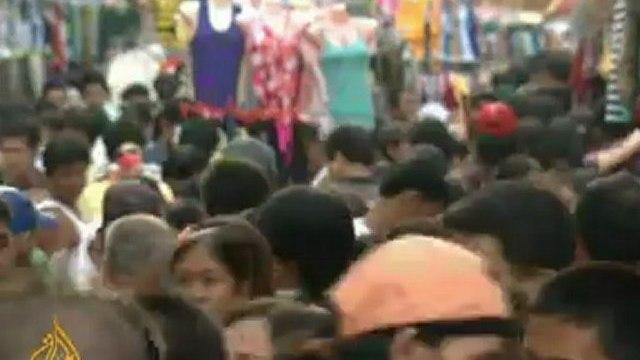 Debate heats up over new Philippines health bill - 11 Nov 09
