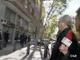 Garzón guarda silencio ante los periodistas.