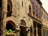The Beautiful Ancient Streets of the City of Bologna in Summer - Zenitude Experience