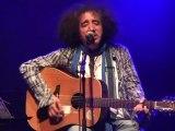 """Akli D - en live  :  Improvisation """"Parle et meurs"""" hommage à Tahar Djaout"""