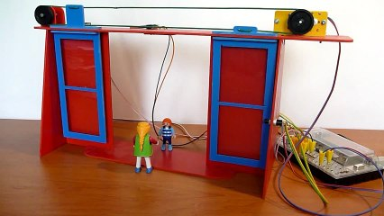 Technologie : fonctionnement de la maquette d'une porte automatique
