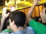 Αποθέωση παικτών ΠΑΟ στο ξενοδοχείο, πριν από τον 5ο τελικό στο ΣΕΦ