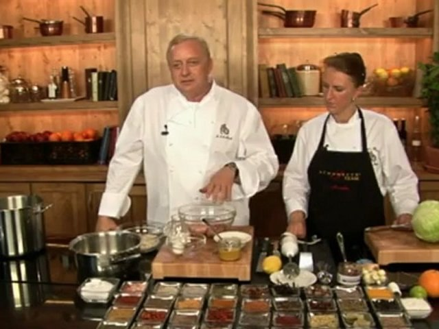 Alfons Schuhbeck kocht Krautwickerl mit Tomatensauce auf www.321kochen.tv