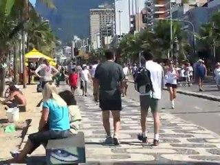 Bresil- Rio de Janeiro: Un dimanche sur la plage à Rio.