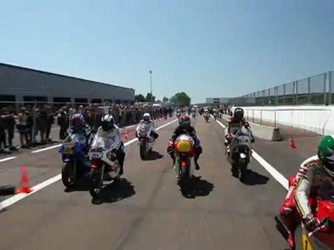 Coupes Moto Légende 2012 - Les 13 champions du monde entrent en piste 1/2