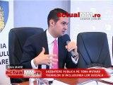 Dezbatere publica pe tema mutarii tiganilor si incluziunea lor sociala 1