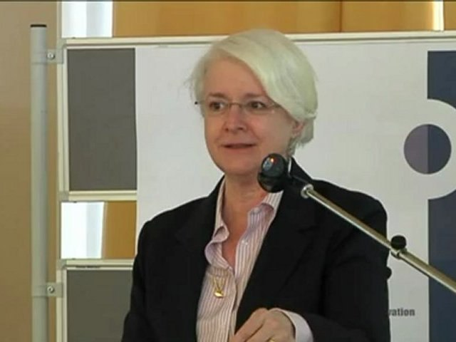 Anne Le Lorier - Banque de France - Dufrénoy Prize 2012 for Responsible Innovation in Finance