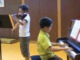 M2U01066 - Duo violon piano- Symphonie de Mozart - Audition des élèves des Ateliers Musicaux de Scy Chazelles en mai 2012