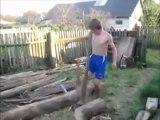 Régis casse une branche