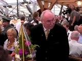 Oktoberfest 2009 - Anstich durch OB Ude mit 2 Schlägen. O'Zapft is