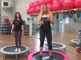 Monya fitness esercizi per rassodare i glutei con il trampolino elastico ALBESE FITNESS CENTER