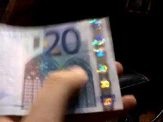 Riconoscere le banconote vere da quelle false