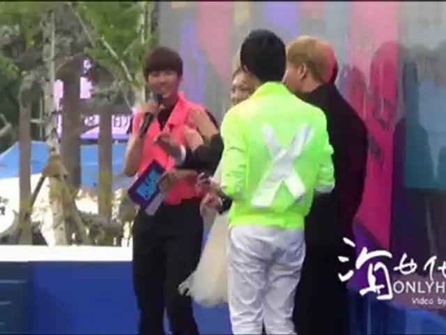 [Fancam] 120628 Mnet 20s Choice Bluecap - Donghae focus