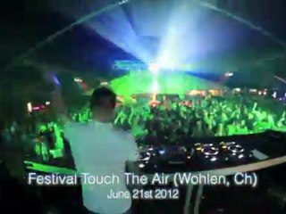 MAKE THE GIRL DANCE on tour 2012 Episode 3 (Tokyo, Solidays, Spain, Italy, Switzerland...)