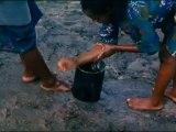 Raymond Depardon - Afriques, comment ça va avec la douleur ? (1996, extrait I)
