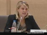 Nathalie Acs défend la motion du groupe FN sur l'injustice scolaire