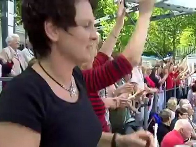 Deutschland ist scheiße, ihr seid die Beweise! Protest Roland Kaiser Fernsehgarten