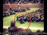 Ma cha Allah il fait sa prière en présence des milliers de gens