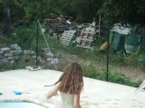 Petite trempette , l'eau pas encore très chaude !!  Pour la Fête des Mamans au TGNET (06)
