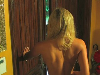 Experience Junkie: Naked Girl At The Door!