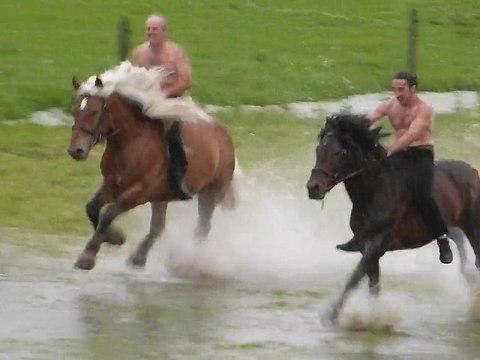 Galopade sous l'orage... Par la troupe Jehol...