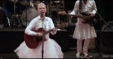 David Byrne - Burning Down the House (LIVE)