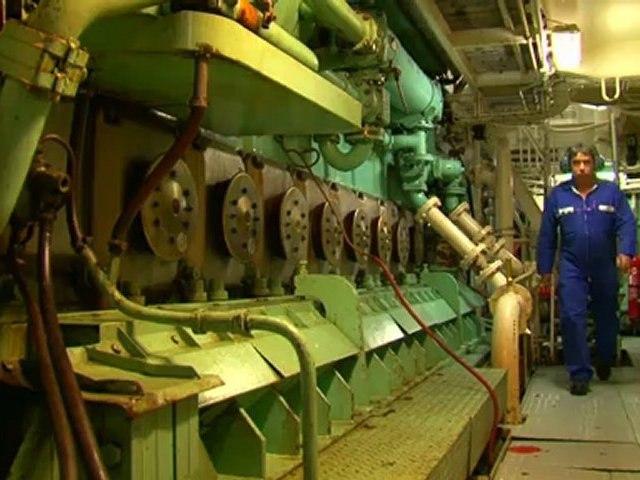 Clip sur le Marion Dufresne, le navire ravitailleur des TAAF