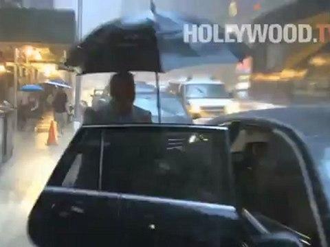 Kyra Sedgwick ama la lluvia en Nueva York - Hollywood.TV