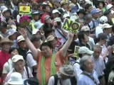 Japon: les anti-nucléaires cernent symboliquement le Parlement