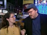The Awful Truth - Michael Moore (saison 2 - épisode 4) Le Bureau De L'immigration et de la Naturalisation