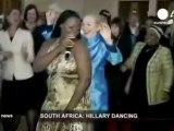 Hillary Clinton, reine du dancefloor à travers le monde