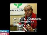 Le maire communiste décroche le portrait de Sarkozy