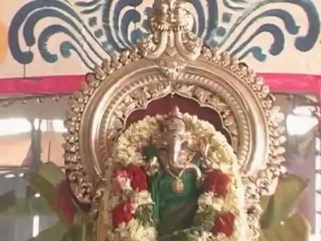 SUKLAMBHARADHARAM -SANSKRIT DEVOTIONAL (GANESH STOTHARAM).mp4