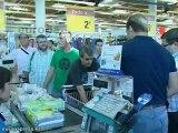 """Acto de """"expropiación de alimentos"""" en el Carrefour Mérida"""