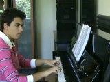 """Piyano ile PORTOFİNO Güneş Yakartepe """"Ben Aşkımı Portofino'da Buldum. Yabancı Şarkı Sözleri  TÜRKÇE ÇEVİRİsi  Versiyon 1 Dalida Kkasik Akustik duvar Piano Unutulmaz Aşk şarkısı fon-hafıf muzık HD video  dil türkçe bedava free high standart cover klip Klip"""