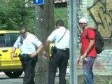 Blague du faux graffiti au policier