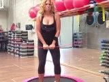 Monya fitness e Giwa coordinare movimenti e il respiro usando il Butterfly sul trampolino elastico