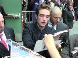 Celebrity Bytes: Robert Pattinson and Kristen Stewart Back Together?