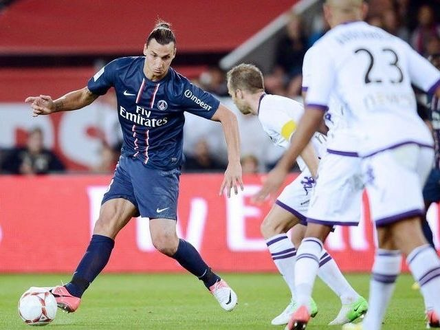 Paris Saint-Germain (PSG) - Toulouse FC (TFC) Le résumé du match (5ème journée) - saison 2012/2013   Godialy.com