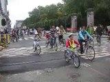 Dimanche sans voitures: les cyclistes nombreux au rendez-vous
