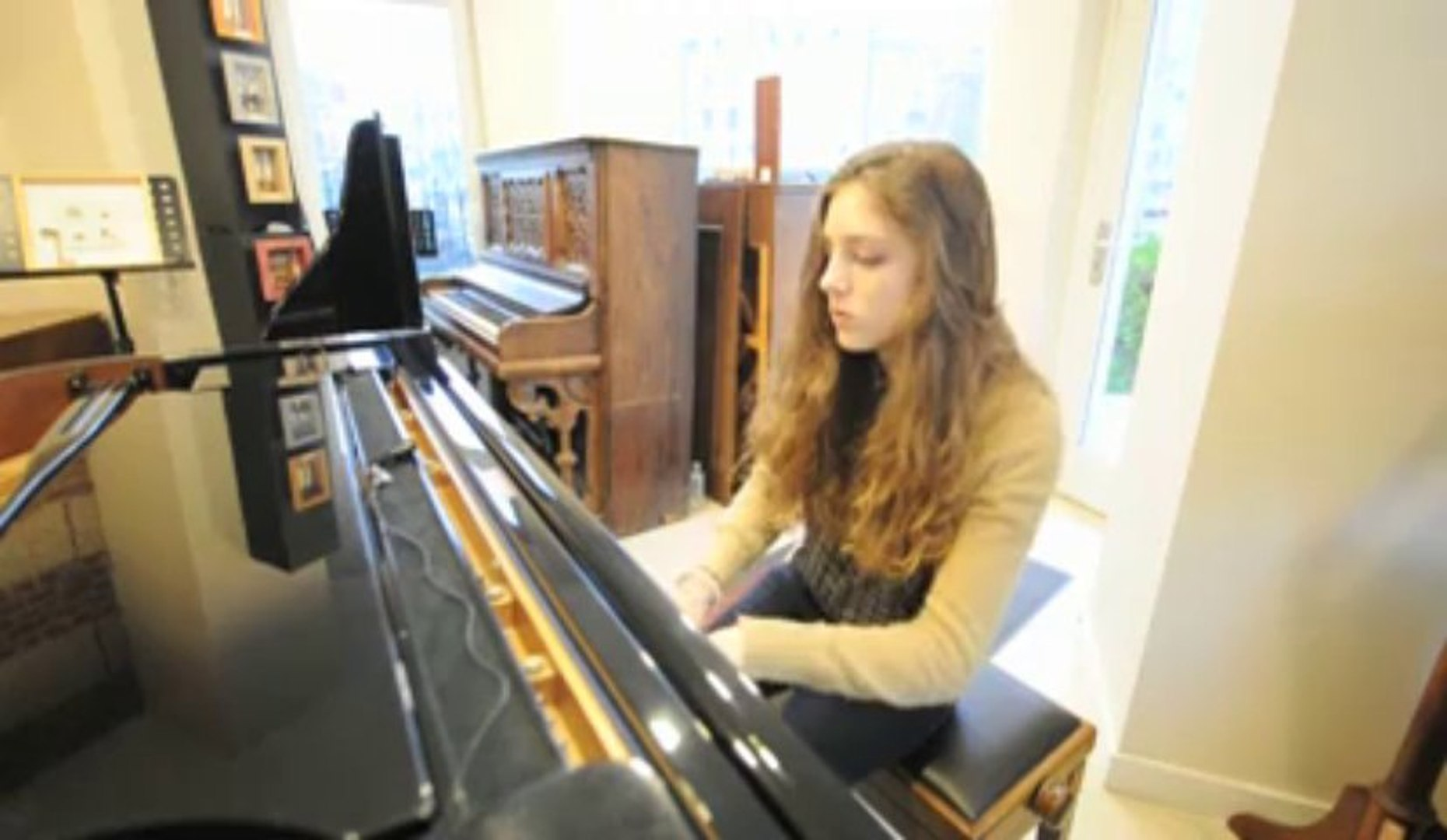 Birdy : People Help The People